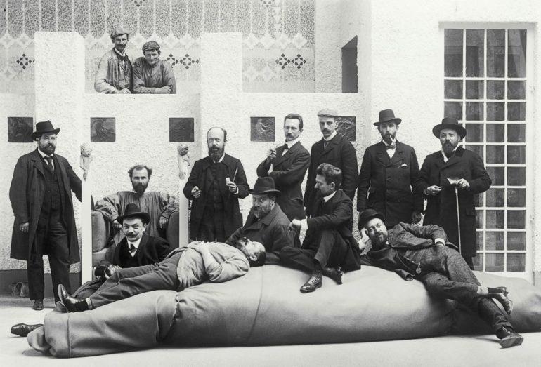 Grupowe zdjęcie Secesjonistów Wiedeńskich (1902) / fot. Moritz Nähr / © Österreichische Nationalbibliothek