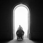 Przekraczając granice [Missing People reż. Béla Tarr | Wiener Festwochen 2019]